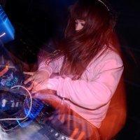 DJ_HiNA11
